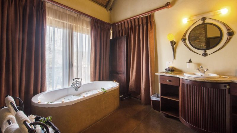 Shishangeni Lodge Bathroom